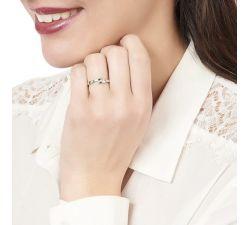 Anillo de compromiso Tokio: Moderno y elegante de 3 diamantes